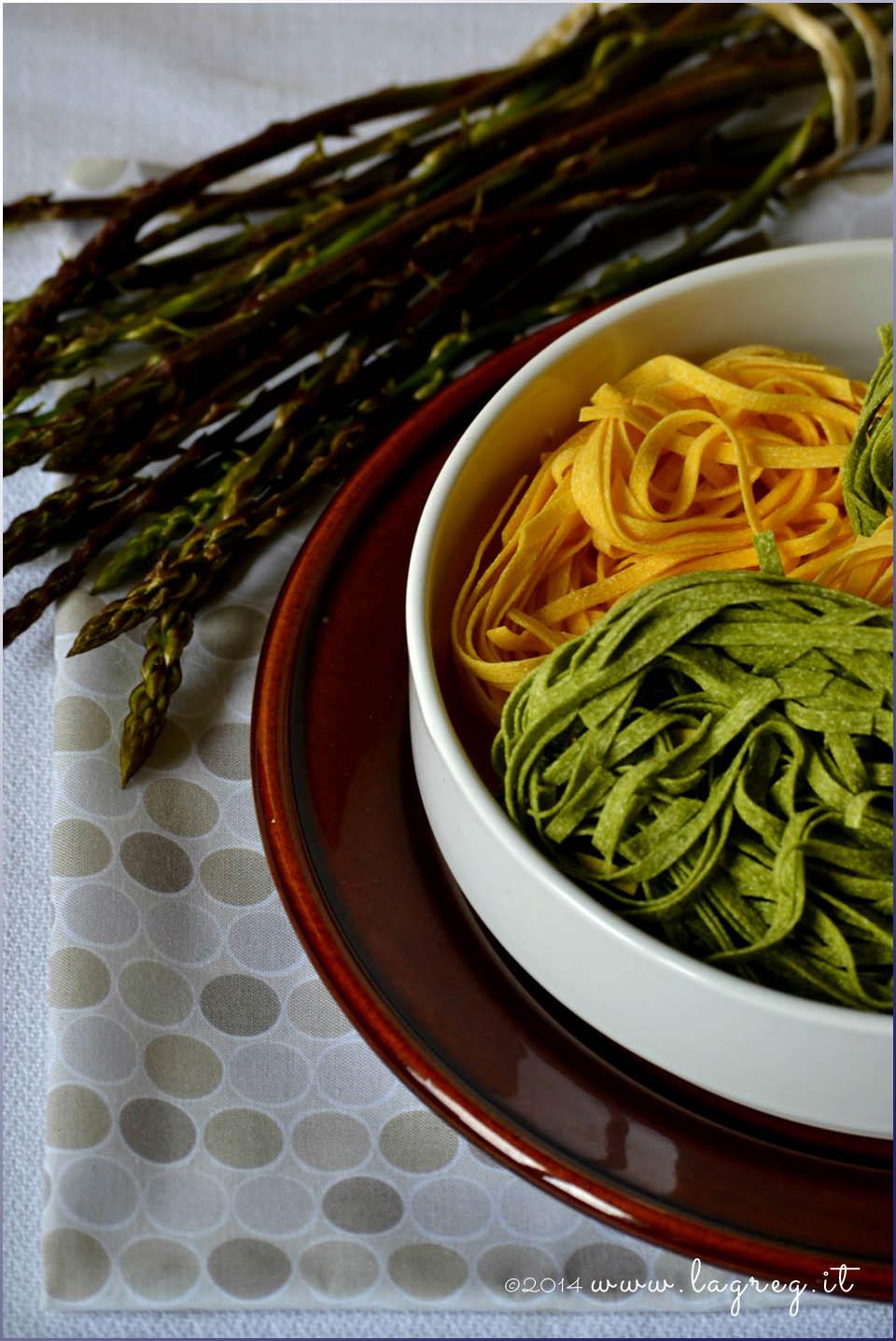 paglia e fieno con asparagi selvatici1