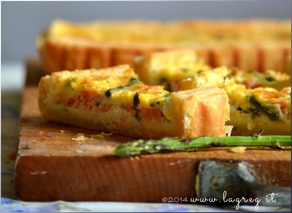 quiche di salmone e asparagi_slider