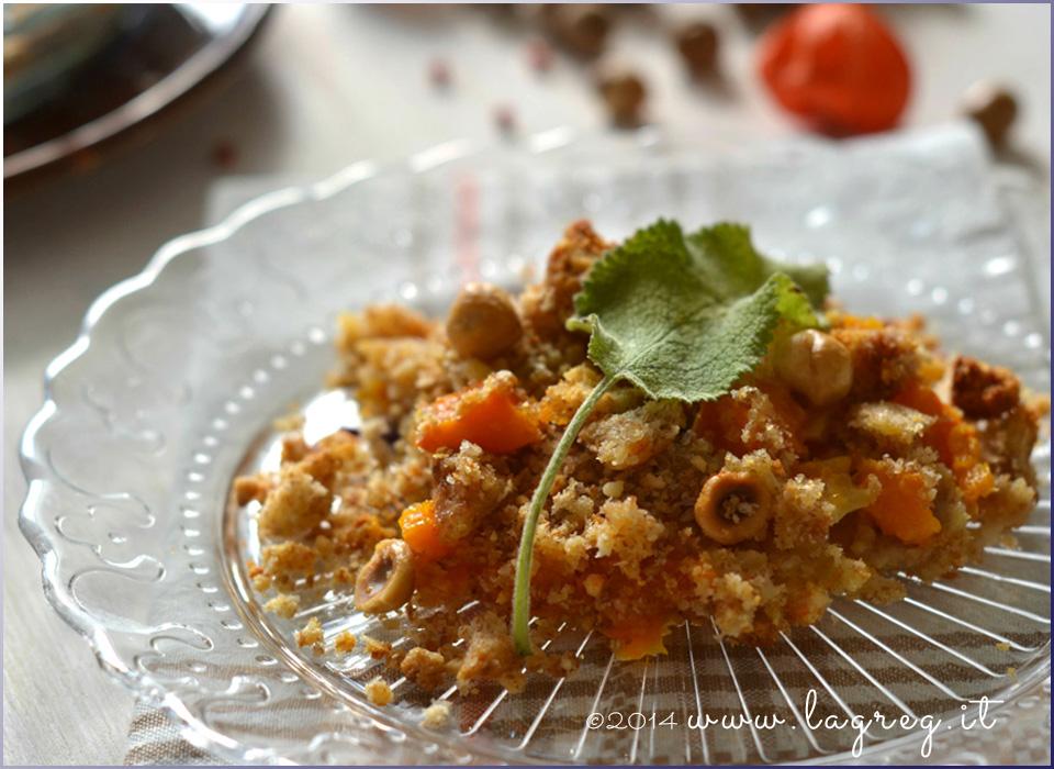 crumble salato di zucca e nocciole