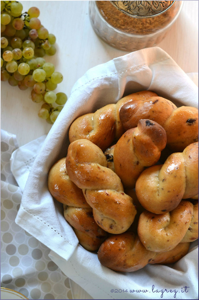 biscotti di mosto marchigiani