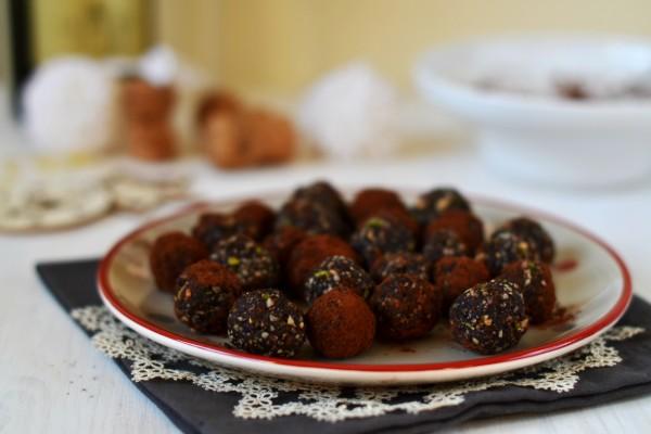 tartufi cacao datteri e frutta secca