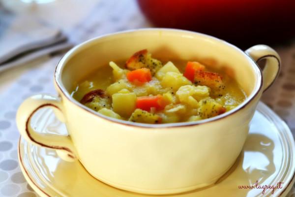 zuppa-di-cavolo-e-patate-allo-zafferano